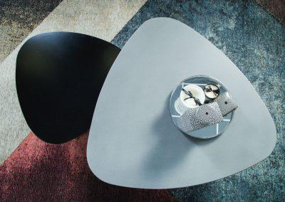 """שולחן סלון """"טוליפ"""" מעץ מלא"""