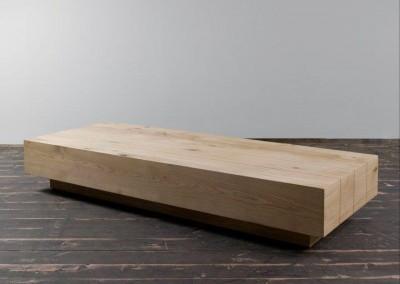 """שולחן סלון מעץ מלא """"בוקס"""""""