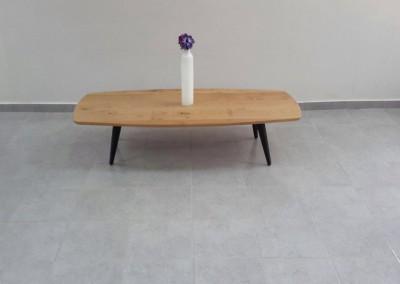"""שולחן סלון """"נרקיס"""" מעץ מלא"""
