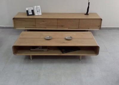 """שולחן סלון """"מעיין"""" מעץ מלא"""