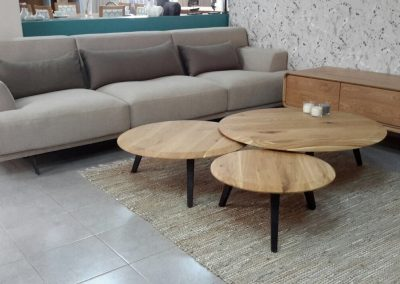 """שולחן סלון """"רדיוס"""" מעץ מלא"""