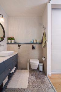 ארון אמבטיה בתכנון ועיצוב אישי  צבע אפוקסי על MDF ירוק חן בן טל